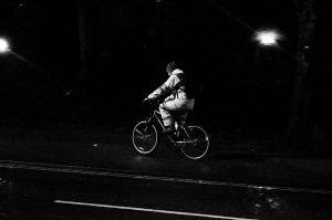 jazda rowerem nocą
